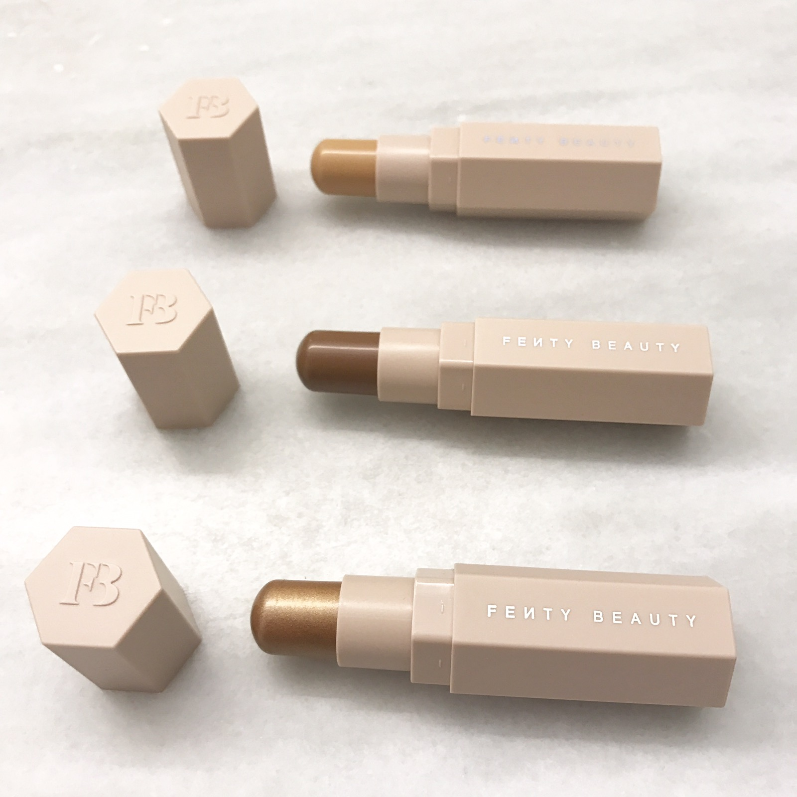 FENTY BEAUTY CONTOUR STICKS TAN